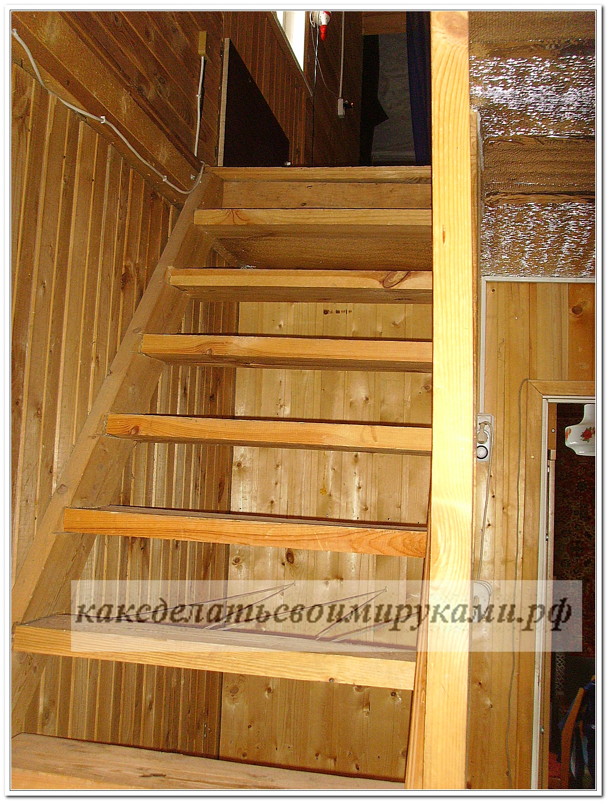 Лестница к мансарде