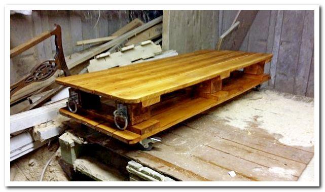 Отделанный столик