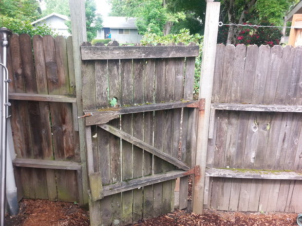 Pull Wooden Fence Posts Set In Concrete WITH NO DIGGING!
